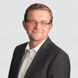 Mag. Robert Hackner